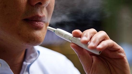 Сложны вопрос с легким ответом: IQOS выделяет дым или пар